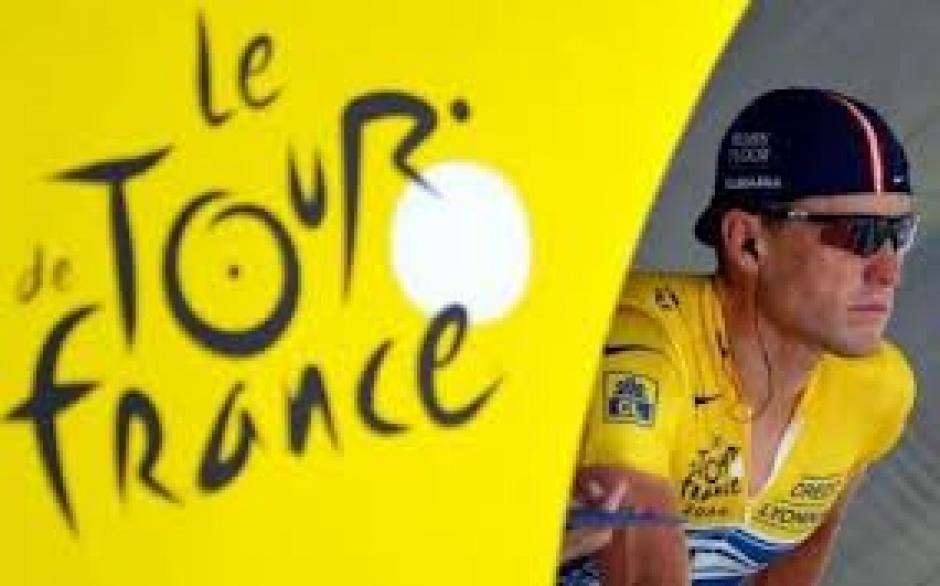 Armstrong, tu es mort et nous voulons décrocher la lune