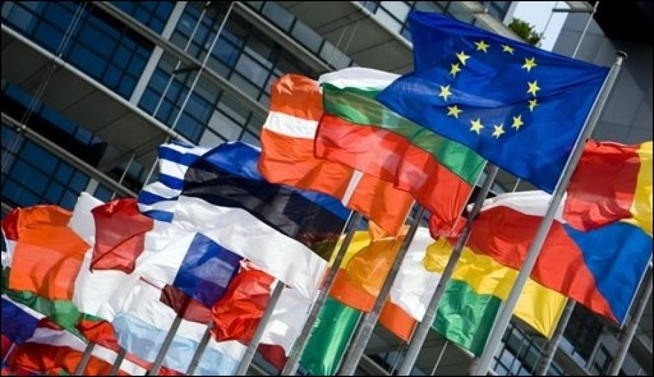 Interdiction des drapeaux étrangers à Nice: Estrosi: victime d'un coup de chaleur ?